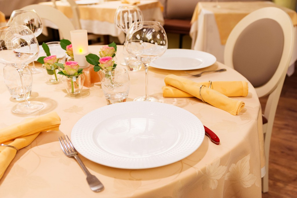 table-restaurant-vichy